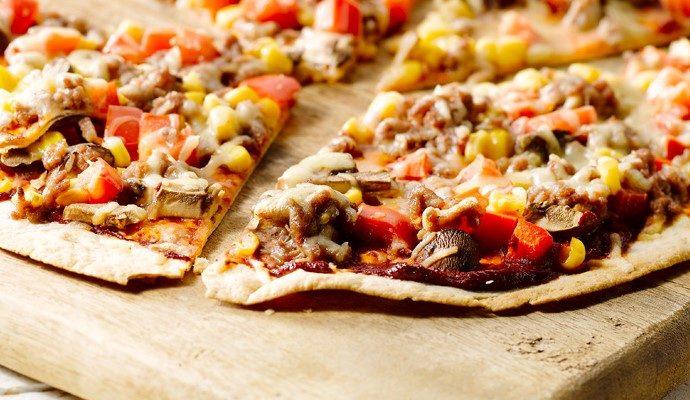 Kiire, lihtne ja proteiinirikas tortillapizza